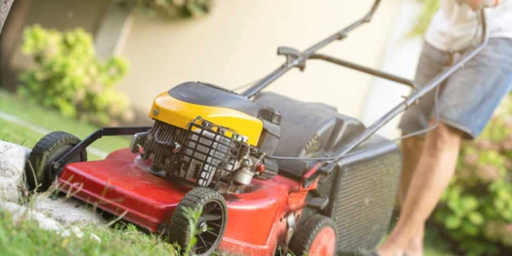 How to Mow Your Lawn the Proper Way?