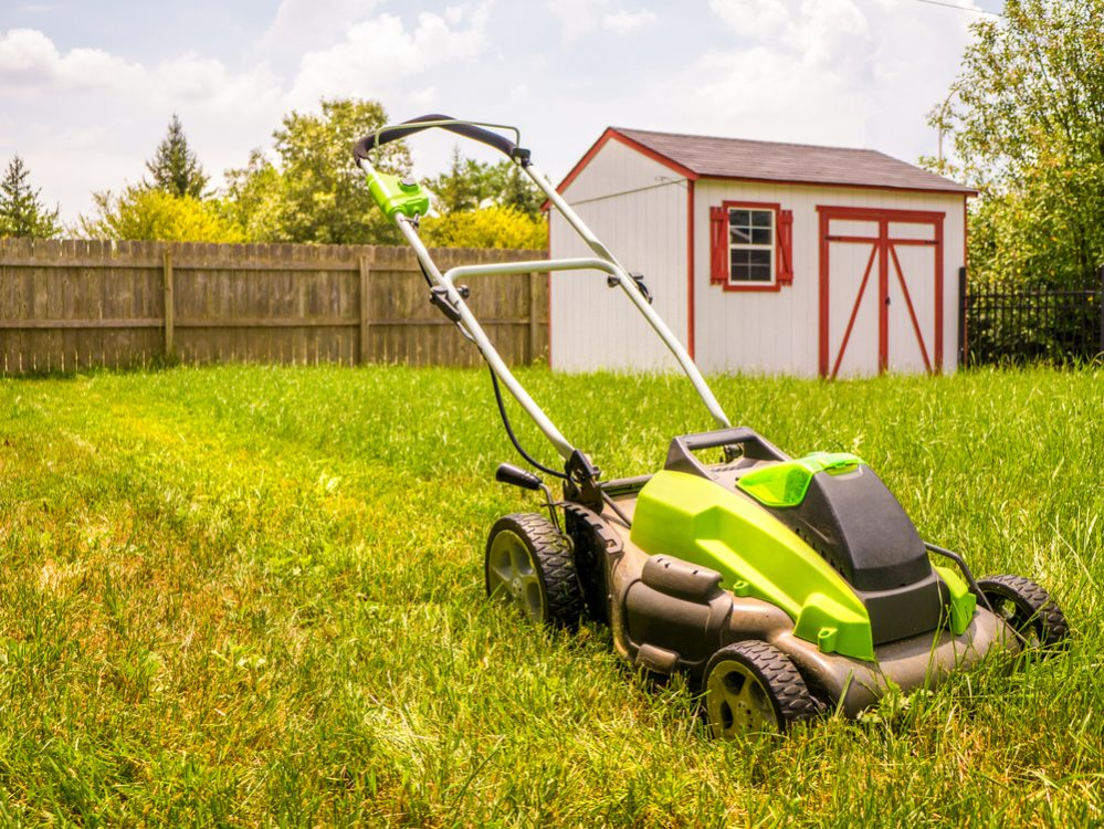 Best Self Propelled Lawn Mower reviews size and power