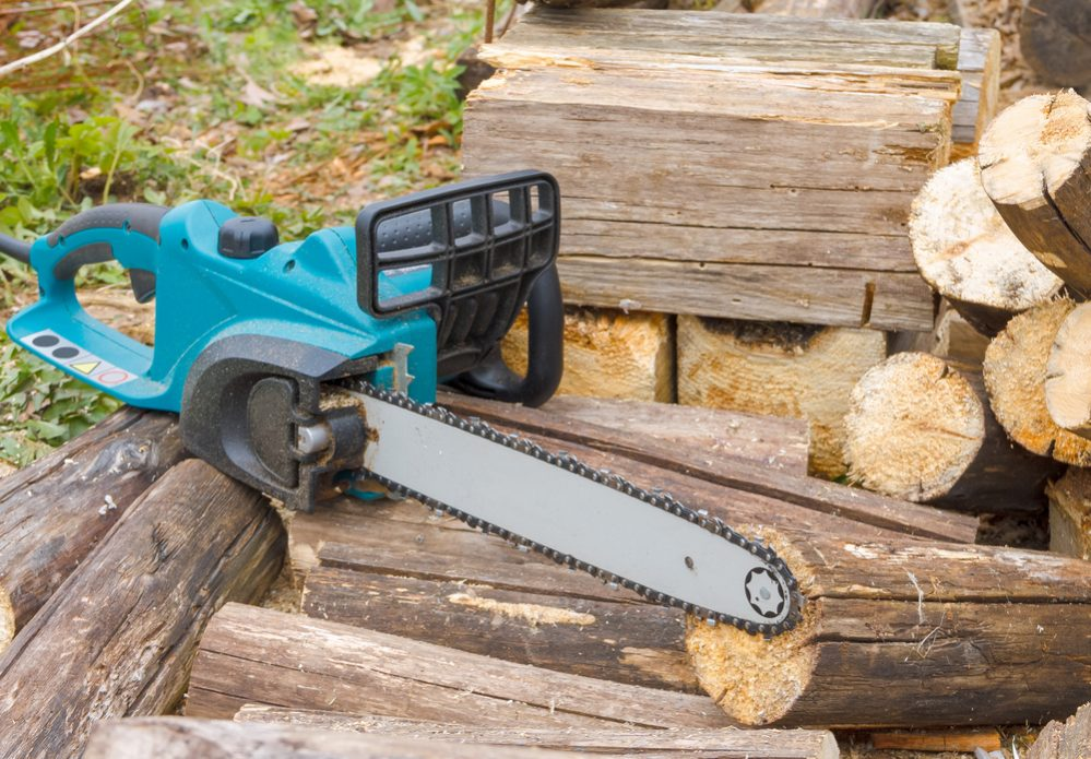 best electric chainsaw buying guide