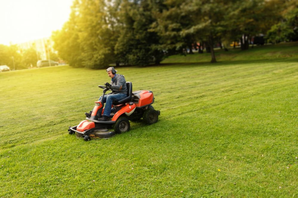 best lawn tractor habits