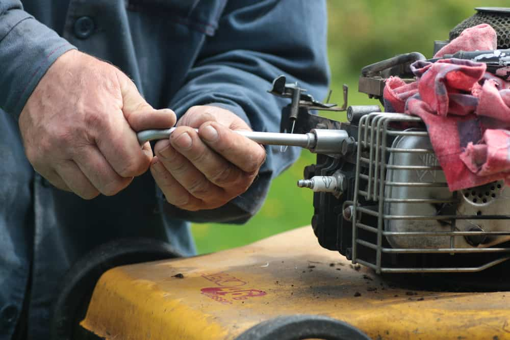 Clean a Fuel System of Your Lawn mower