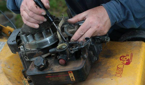 How to Clean Lawn mower Carburetor