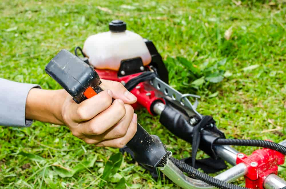 How to Start a Weed Eater