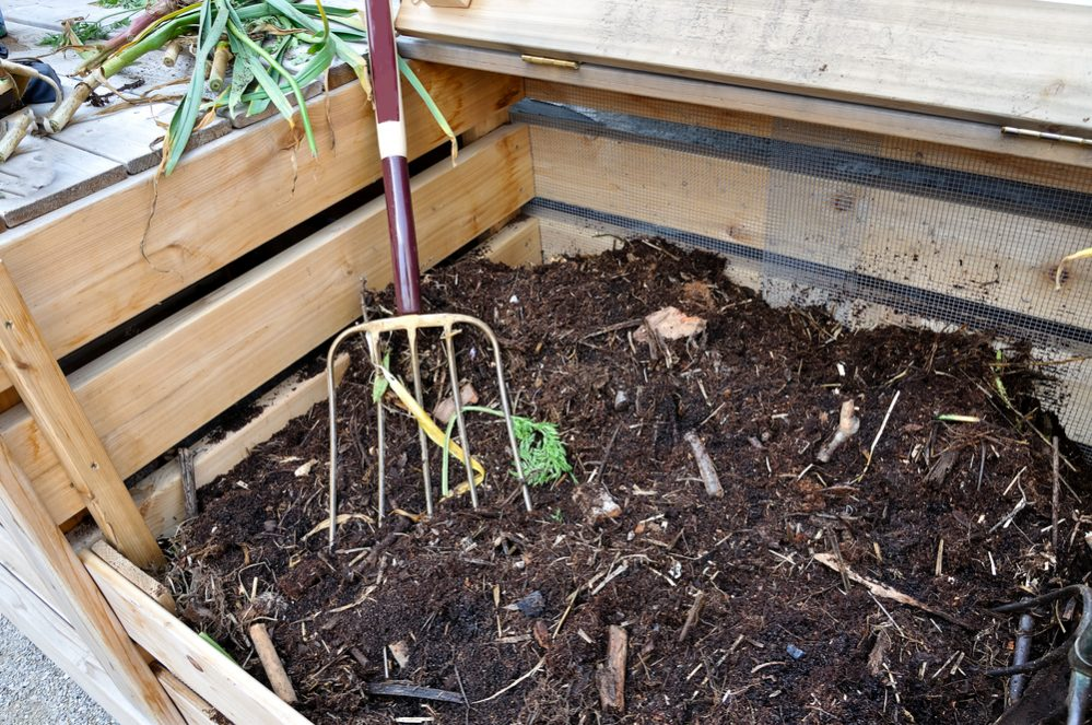 How to Turn Compost
