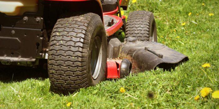 Lawn Tractor vs. Zero Turn