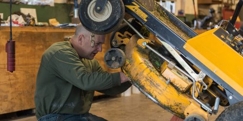 How to Remove Riding Lawn mower Blade?