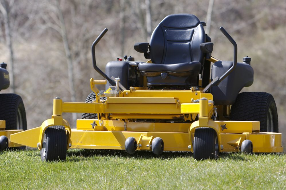 riding lawn mower cleaning tips
