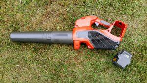 Battery powered leaf blower vacuum