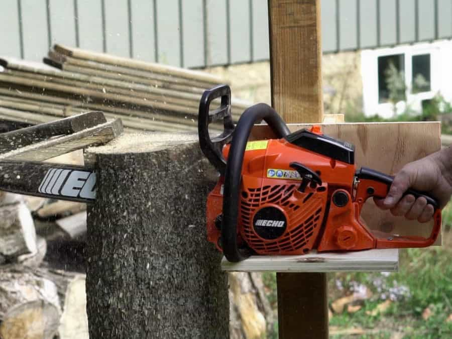 Making A VERTICAL Chainsaw Mill