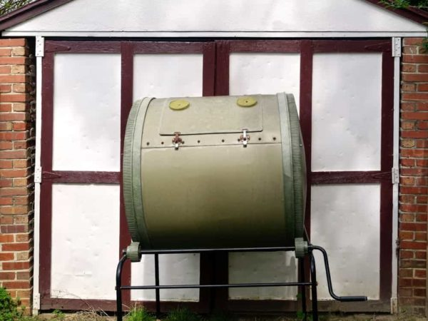 9 Tips to Use a Compost Tumbler Like a Pro