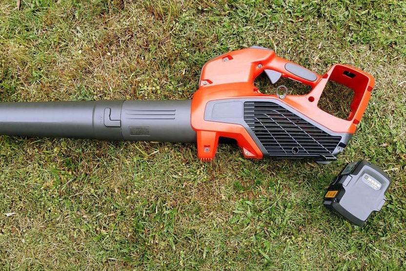 Best Cordless Blower 2019 7 Best Cordless Leaf Blowers of 2019   Electric Leaf Blower