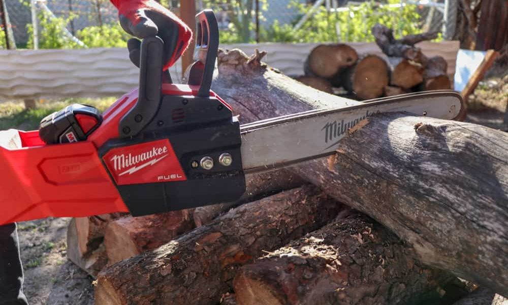 best battery powered chainsaw