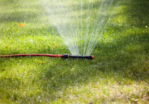 7 Best Lawn Sprinklers of 2019 – Garden Sprinkler Reviews