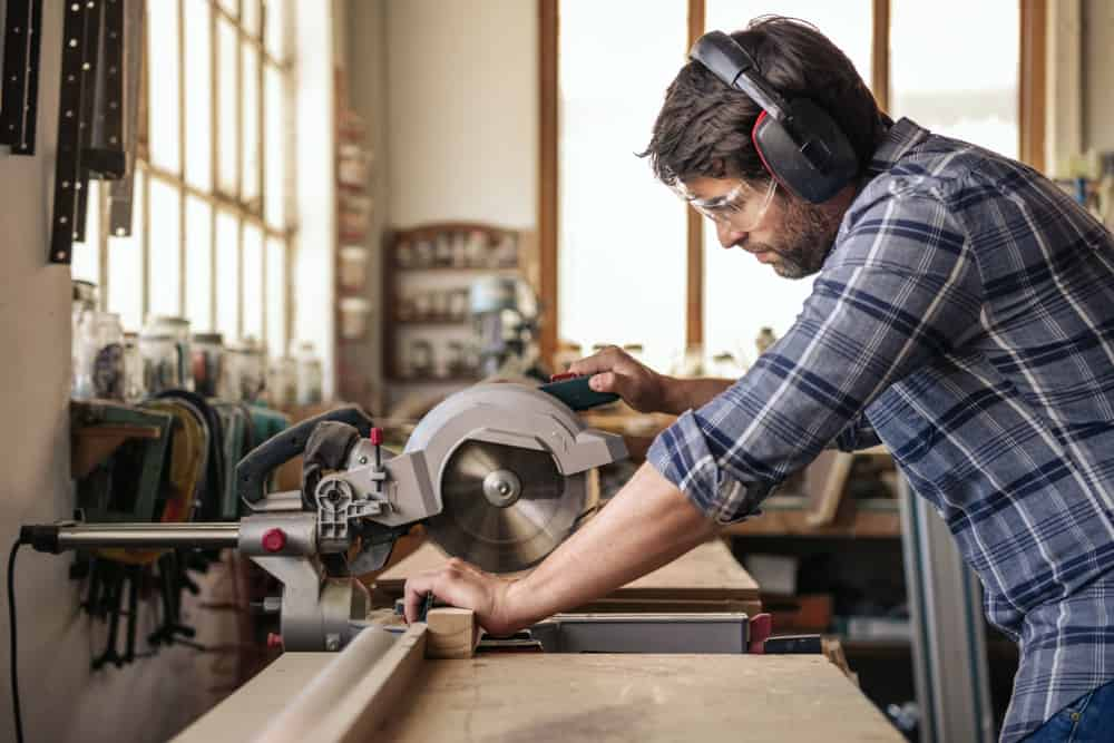 11 Tips for Using a Circular Saw like Pro