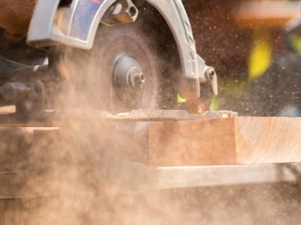 7 Best Cordless Circular Saws 2021 – Battery Powered Circular Saw Reviews