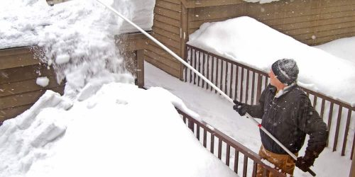 7 Best Snow Roof Rakes (Reviews & Guide of 2019)