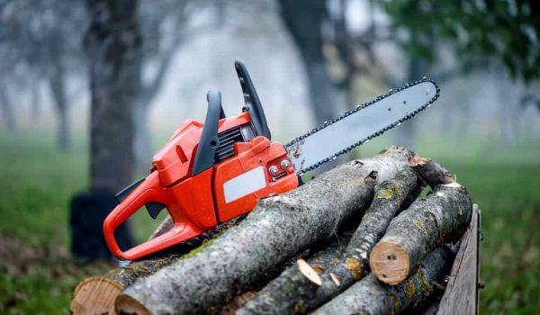 Stihl vs. Husqvarna Chainsaw – Which Brand has the Edge