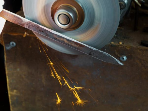 How to Sharpen a Circular Saw Blade? (Video Guide & Tips)