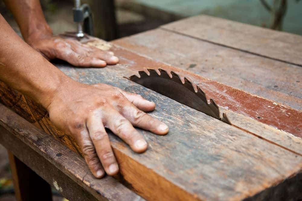 advantages of a table saw
