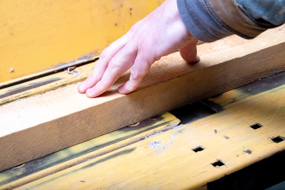 What's the difference between a jointer and a planer