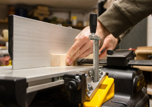 8 Tips to Use a Jointer Like Guru