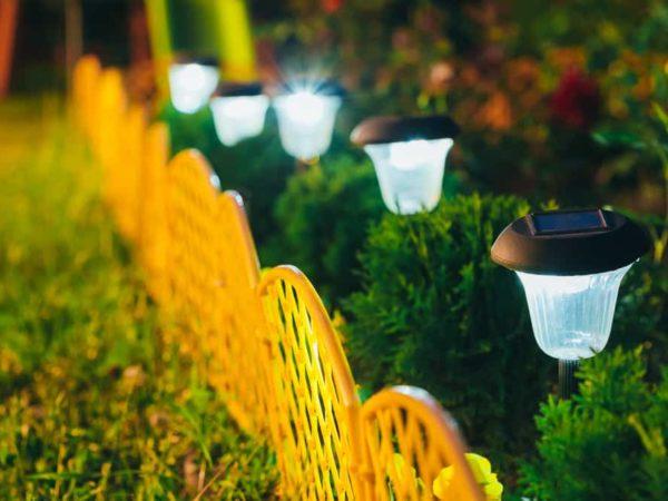 10 Best Outdoor Solar Lights of 2021 – Solar Lights for Yard, Patio, Landscape, Garden