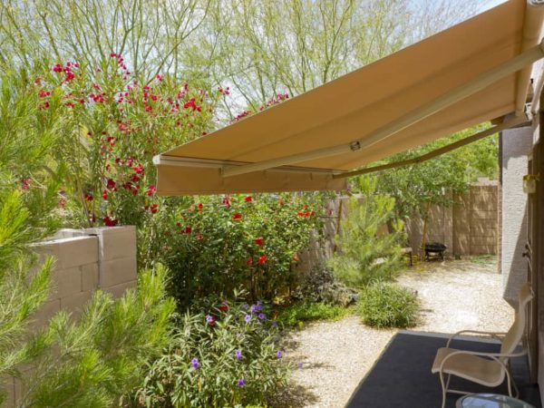 10 Best Retractable Awnings of 2021 – Patio Retractable Awning Reviews