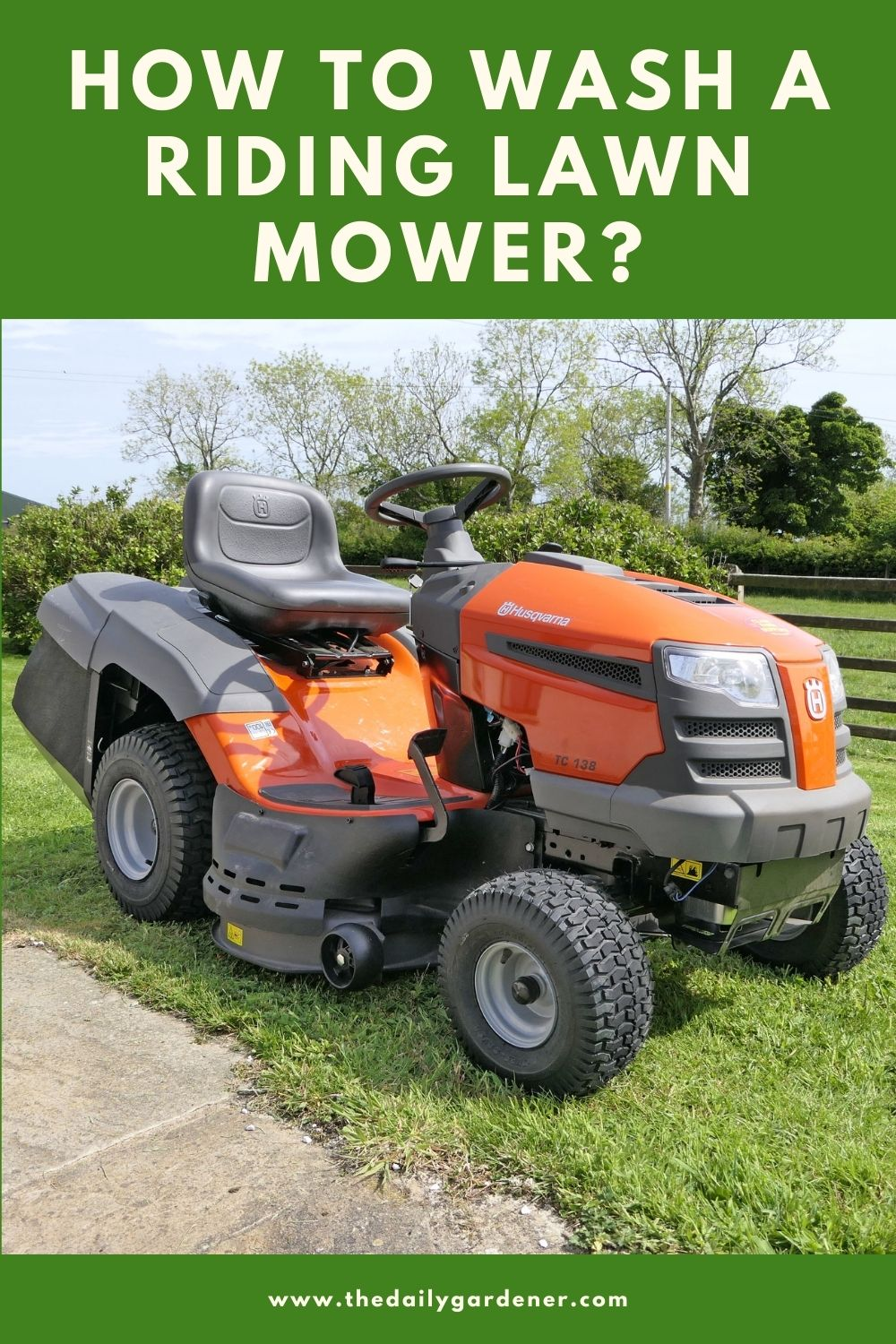 How to Wash a Riding Lawn Mower 1